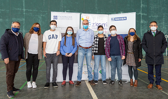 Entrega de premios Un reto por la ciencia en el colegio Azkorri